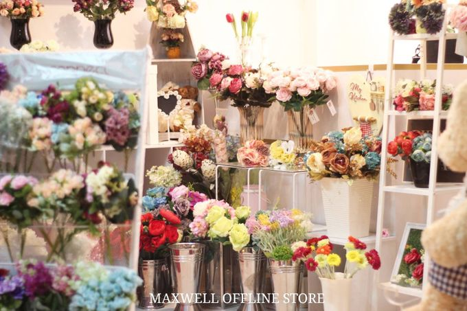 Store by Maxwell Flowers - 004