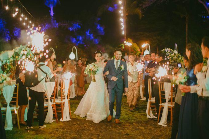 RUSTIC WEDDING DAVID AND JOICE IN SKY AYANA BALI by W organizer - 049