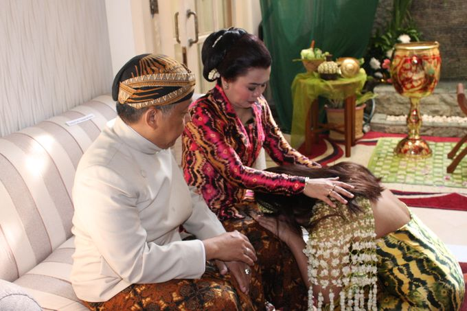 Siraman Tika (22 Agustus 2014) by Arum Ndalu Sanggar Rias Pengantin - 004