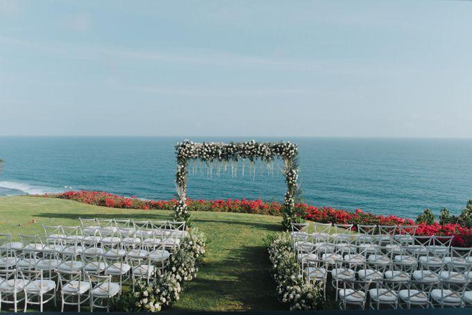 CA & Sebastian Wedding by THE UNGASAN CLIFFTOP RESORT BALI - 011
