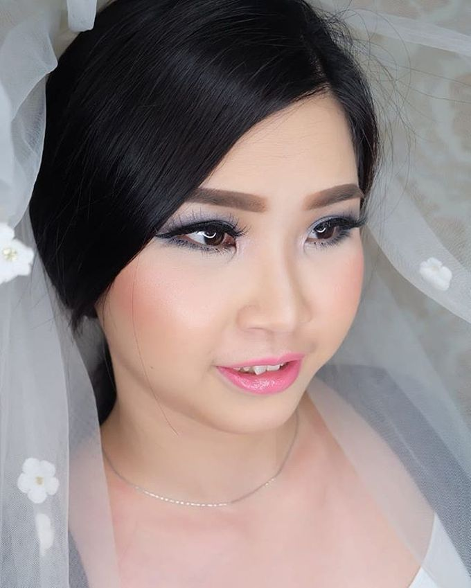 Bride Makeup by Desy Lestari Makeup - 005