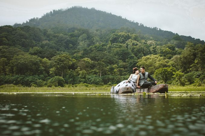 from wedding Dwi & Ros by royal photoworks - 007