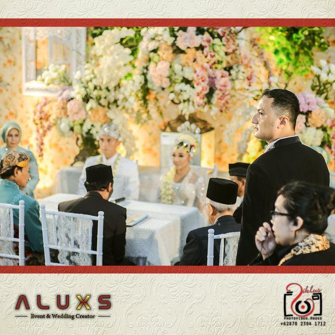 The Wedding of Santa & Khresna by Alux's Event & Wedding Creator - 018