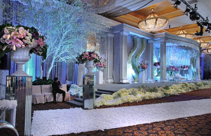 Beautiful Wedding Light of Andrew & Jessica by Etcetera Lighting - 002