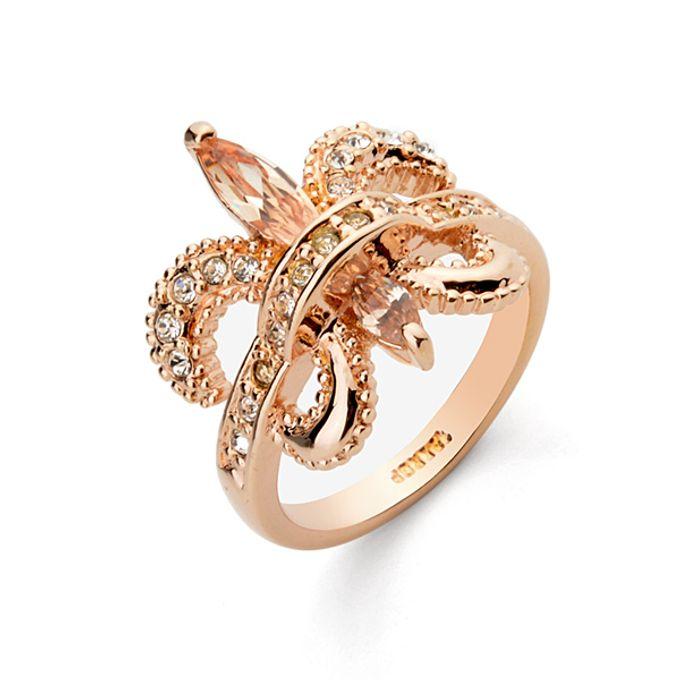 Classy, elegant jewellery items by Toko Kurio - 018