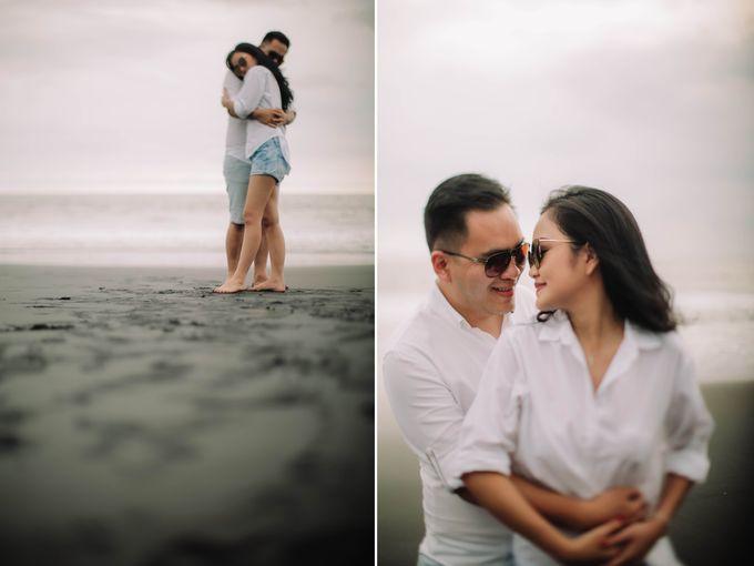 PRE - WEDDING DANIEL & KARINA BY HENOKH WIRANEGARA by All Seasons Photo - 025