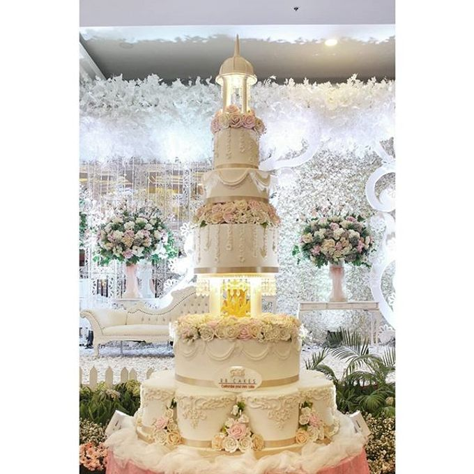 Wedding Cake Customize Design by RR CAKES - 005