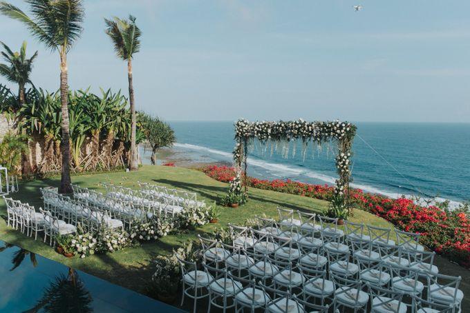 CA & Sebastian Wedding by THE UNGASAN CLIFFTOP RESORT BALI - 012