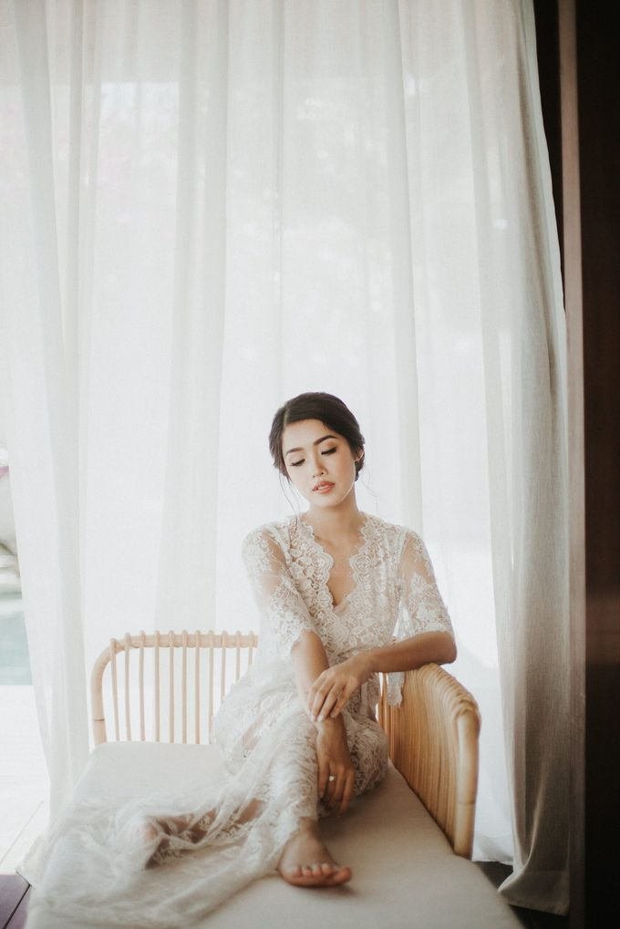 Ana Octarina & Adie Baron - Wedding Day - Tirtha Bridal by ILUMINEN - 010