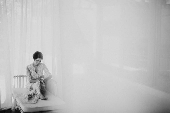 Ana Octarina & Adie Baron - Wedding Day - Tirtha Bridal by ILUMINEN - 011