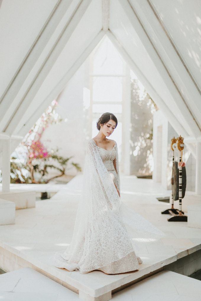 Ana Octarina & Adie Baron - Wedding Day - Tirtha Bridal by ILUMINEN - 014