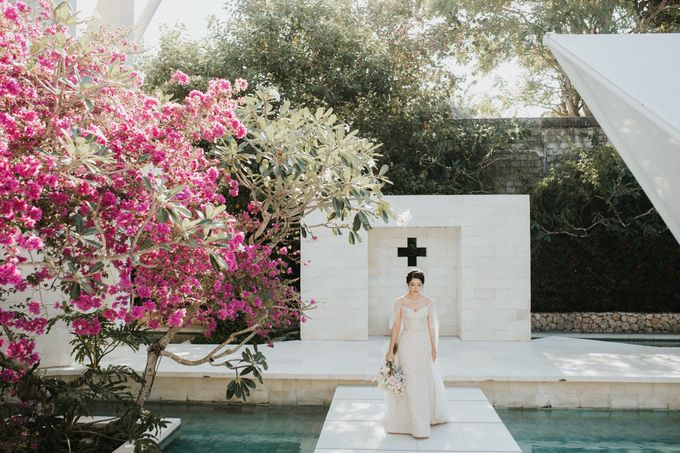 Ana Octarina & Adie Baron - Wedding Day - Tirtha Bridal by ILUMINEN - 015