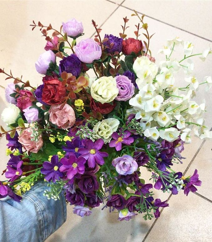 Hand Bouquet by JOVAFLORIST - 012