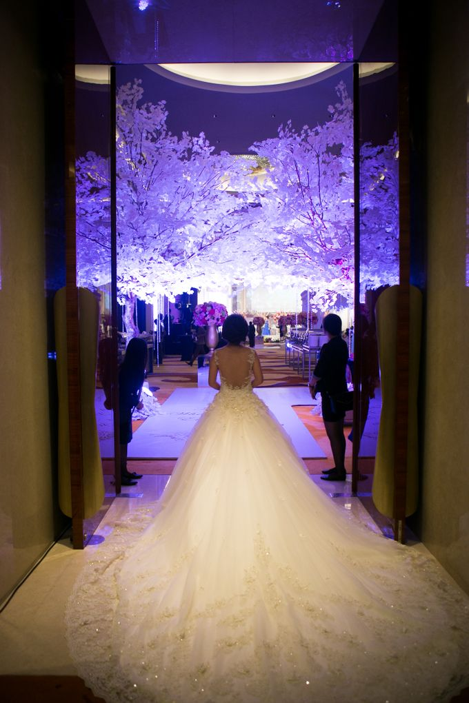 The Wedding of Andrew & Novrida by The Swan Decoration - 007