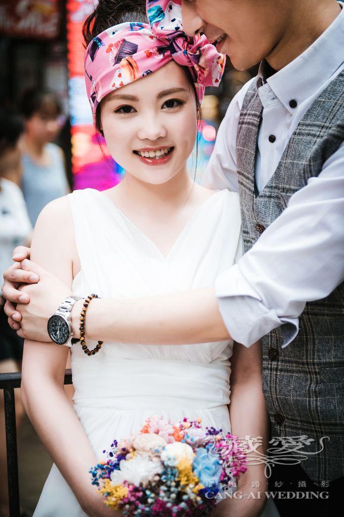Bustling Street of Hong Kong by Cang Ai Wedding - 017