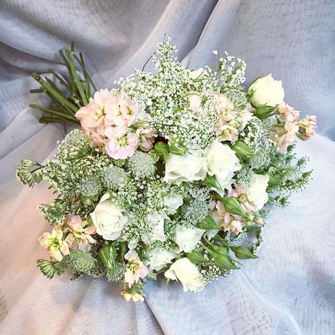 Premium Bridal Bouquet  by La Fleur Société - 013