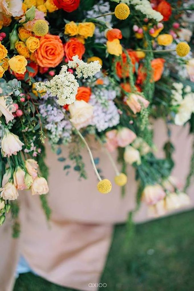 Khayangan Estate - Citrus Inspired Reception by Flora Botanica Designs - 033