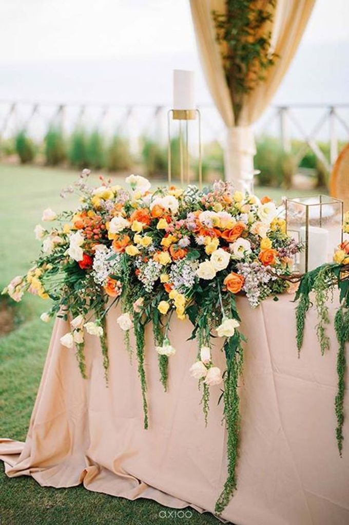 Khayangan Estate - Citrus Inspired Reception by Flora Botanica Designs - 025