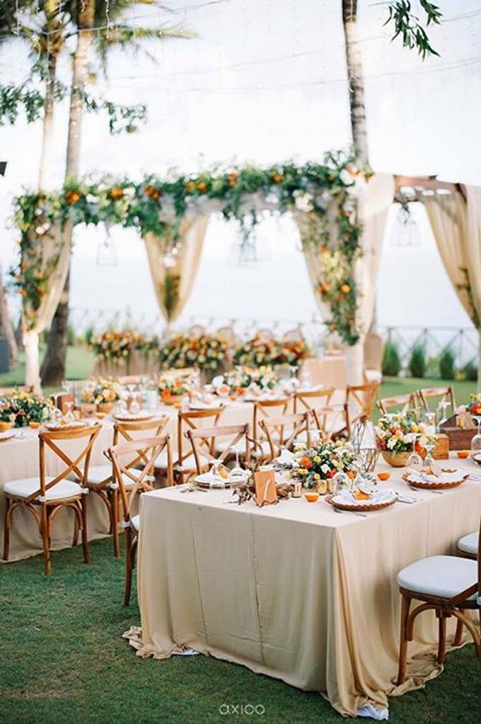 Khayangan Estate - Citrus Inspired Reception by Flora Botanica Designs - 014