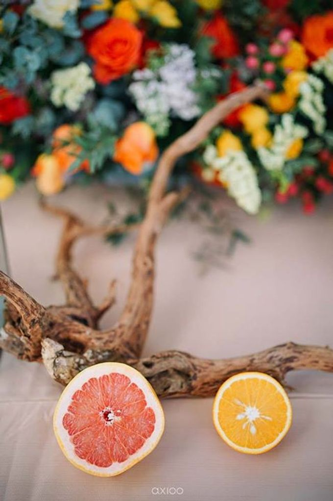 Khayangan Estate - Citrus Inspired Reception by Flora Botanica Designs - 031