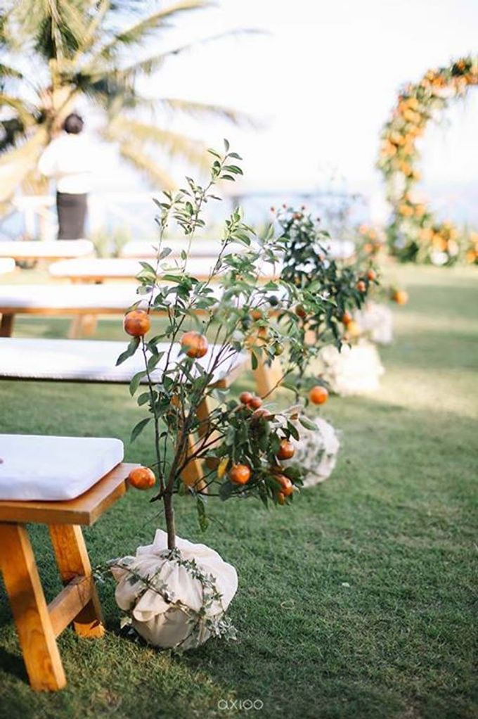 Khayangan Estate - Citrus Inspired Reception by Flora Botanica Designs - 040