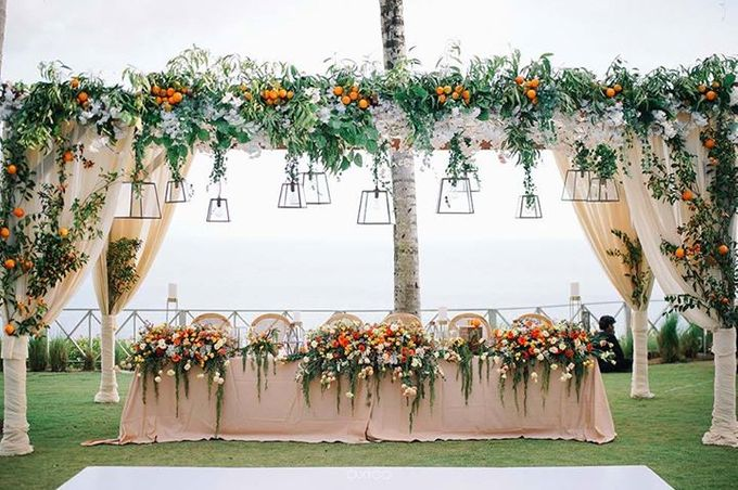 Khayangan Estate - Citrus Inspired Reception by Flora Botanica Designs - 018