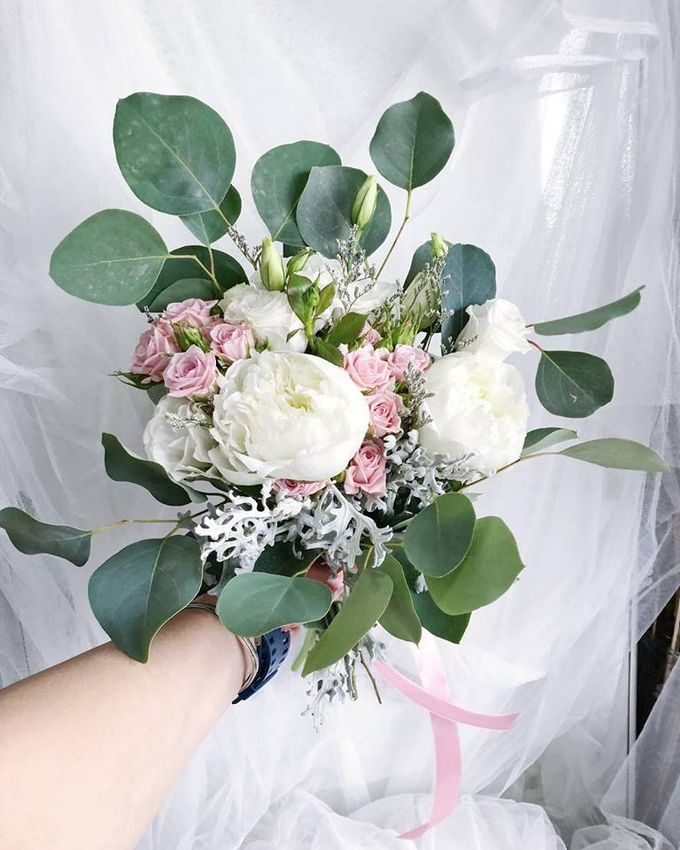 Wedding and Bridal Bouquets by Glammy Gift & Florist - 001
