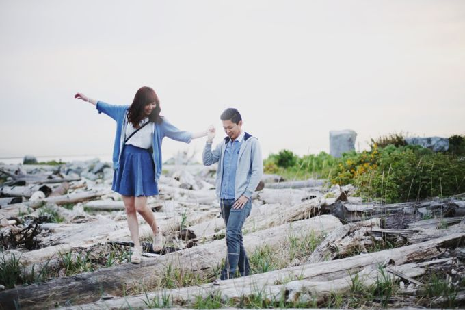 Engagement shoot at Steveston Richmond by Rebecca Ou Photography - 035