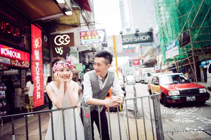 Bustling Street of Hong Kong by Cang Ai Wedding - 018