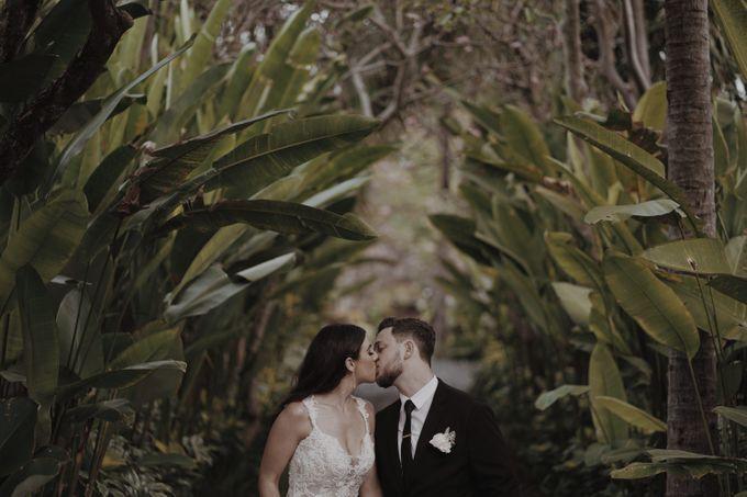 Mindy & Cameron Wedding at W Hotel Bali by AKSA Creative - 036