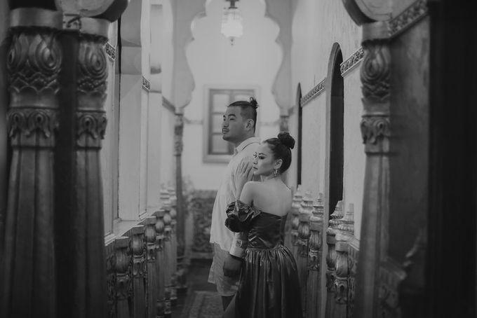 PRE - WEDDING EDWIN & YOMEDIKA BY RIO YAPARI by All Seasons Photo - 030
