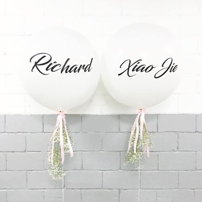 Giant Round Helium Balloon by Balloon Blasters - 001
