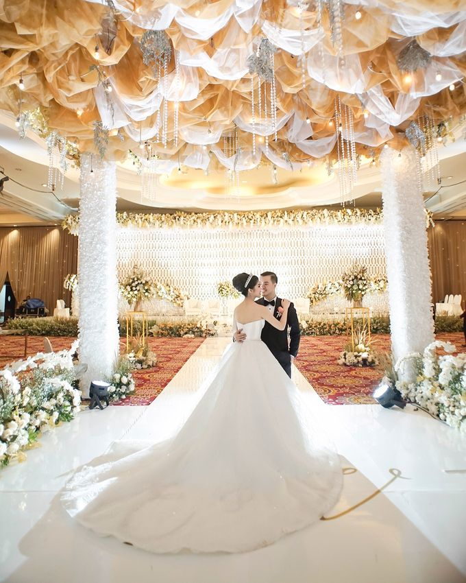 Ritz Carlton - Edsel & Velin by Maestro Wedding Organizer - 024