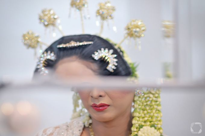 The Wedding of Sally + Rizky by The Move Up Portraiture - 042