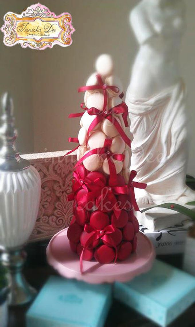 Wedding Cakes by Innicka Dee Cakes - 008