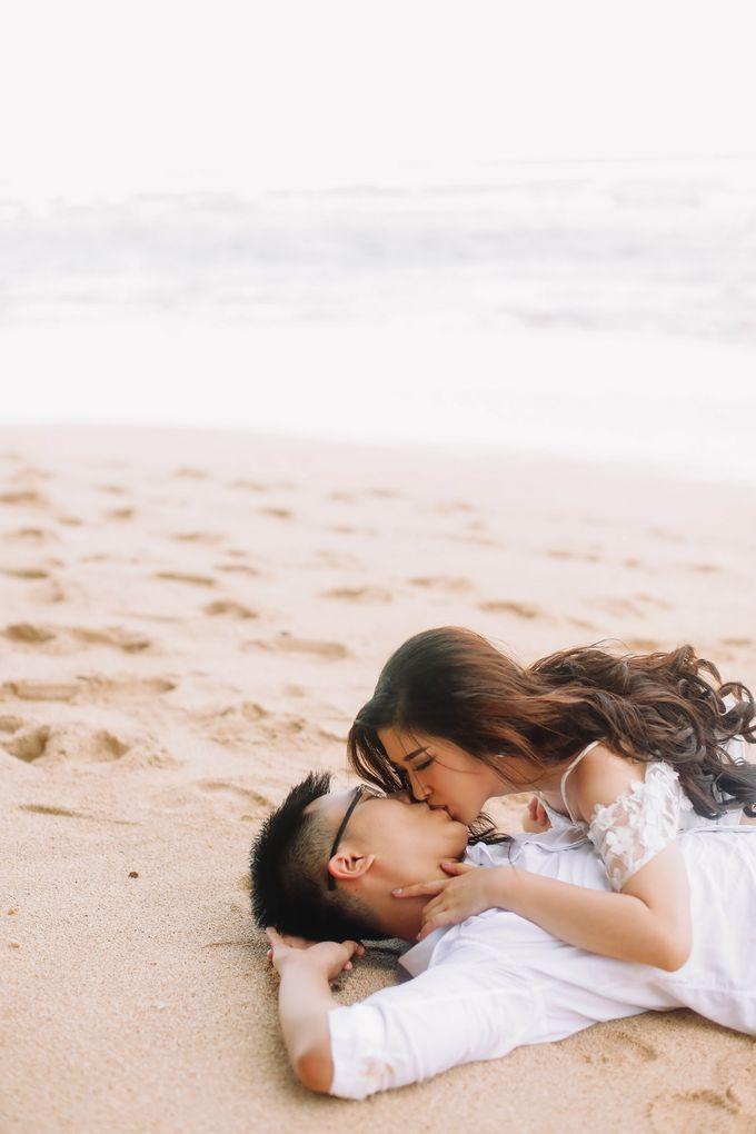 PRE - WEDDING MARVELL & VIONA  BY HENOKH WIRANEGARA by All Seasons Photo - 036