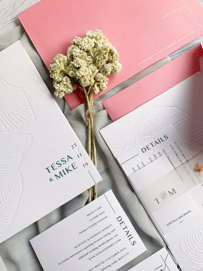 Modern Minimalist Tropical by Trouvaille Invitation - 006