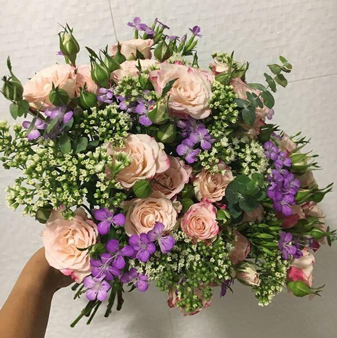 Premium Bridal Bouquet  by La Fleur Société - 011