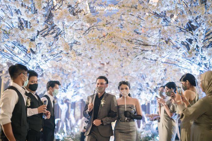 Eva & Fikriel Wedding by Petty Kaligis - 050