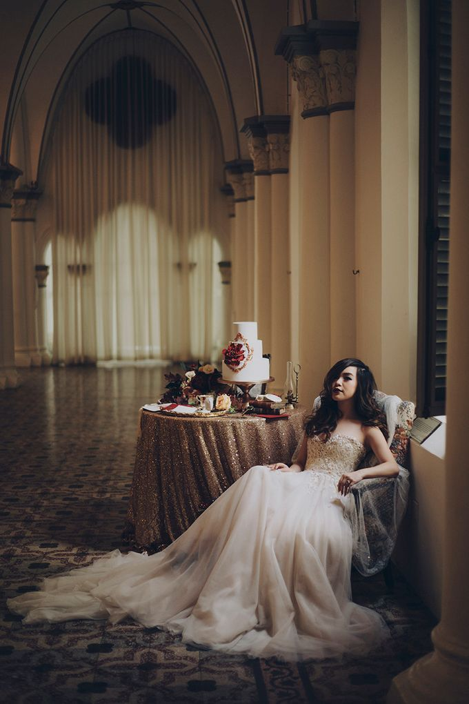 Stories Through Time - A Jewel-Toned Styled Shoot with Heirlooms by Gioielli Bridal Accessories & Crystal Bouquets - 001