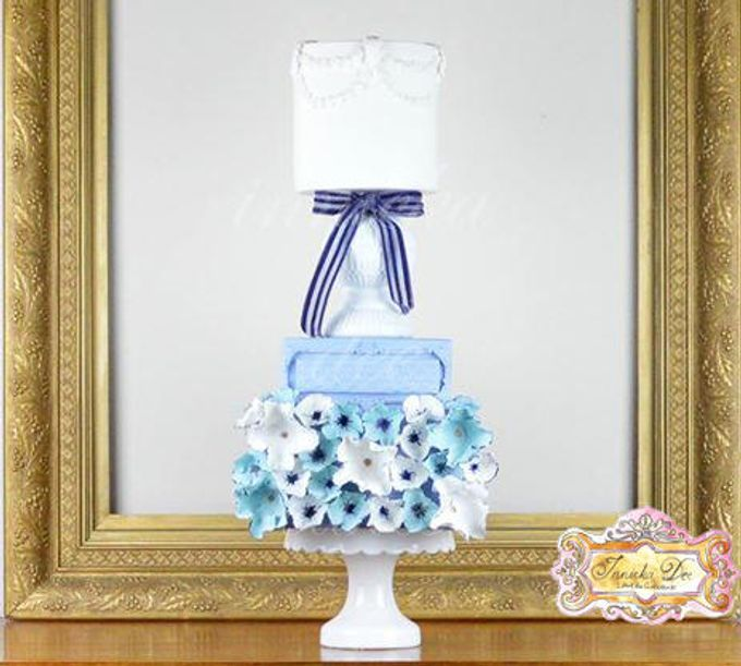 Wedding Cakes by Innicka Dee Cakes - 009