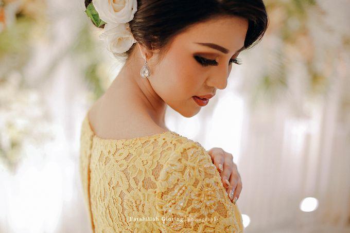 The Engagement of Ariska Putri Pertiwi & Tengku Ryan Novandi by Anaz Khairunnaz - 011