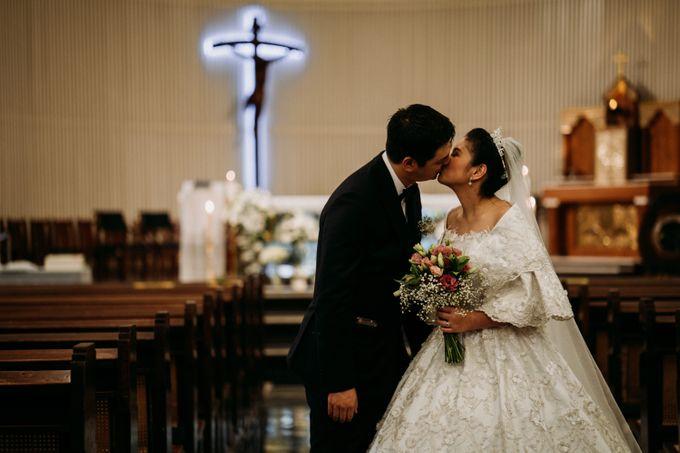 Nicole & Daniel Wedding at Menara Imperium by AKSA Creative - 034