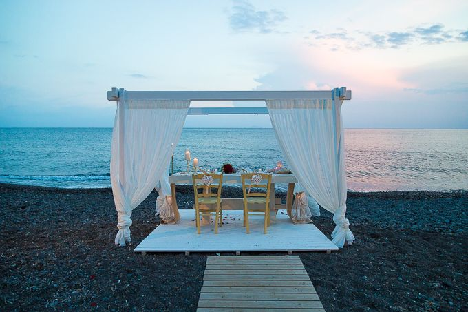 Beach wedding in Santorini by Red Knot Weddings & Events - 038
