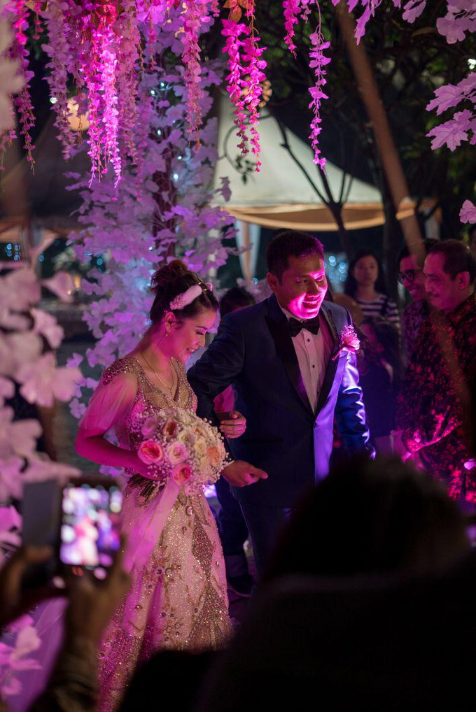 Wedding of Devi & Rheza Recepction by Arthaniaxpink - 002