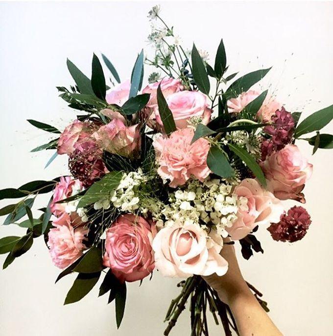 Premium Bridal Bouquet  by La Fleur Société - 009