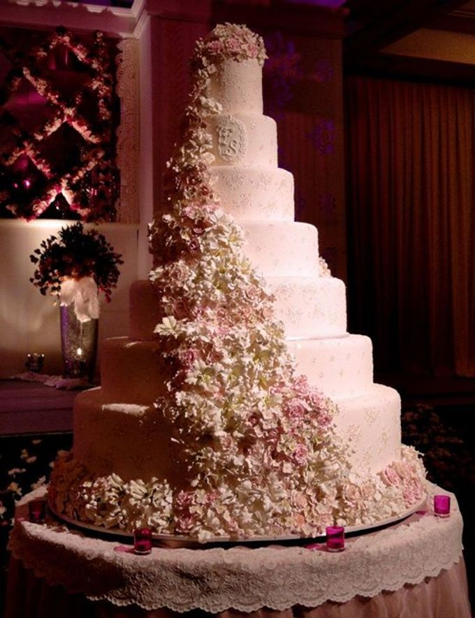 7 tiers Wedding Cake by LeNovelle Cake - 005