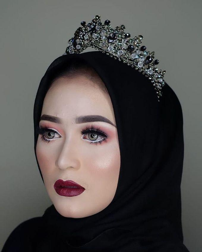 Make up by Owner Tri Lestari by Princessbridalgallery - 004