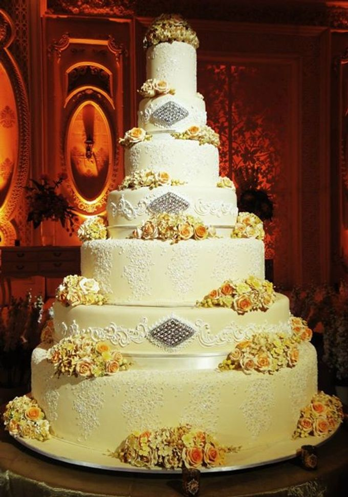 7 tiers Wedding Cake by LeNovelle Cake - 009