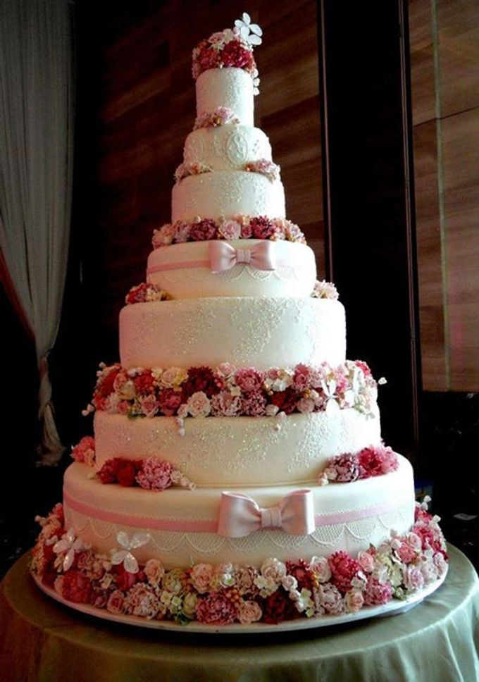 7 tiers Wedding Cake by LeNovelle Cake - 003